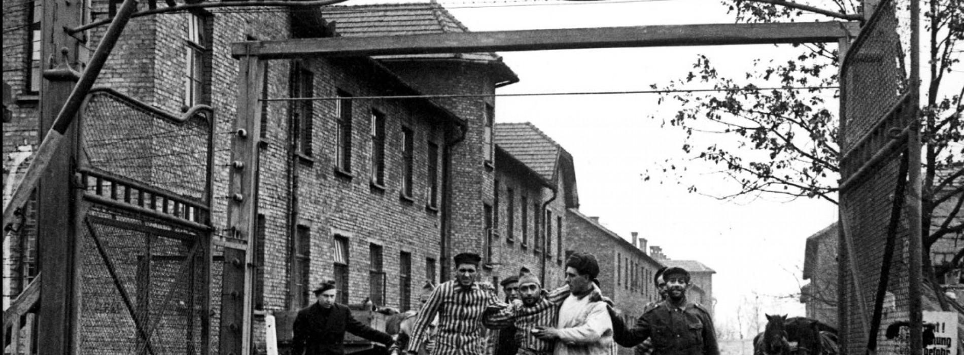 ¿Auschwitz de coartada?
